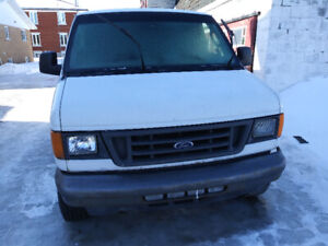 2004 Ford E-350 xl Fourgonnette, fourgon