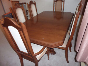 Beautiful Dining Room Set - Greatly Reduced