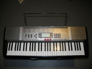 Casio LK-230 61-Key Lighted-Note Keyboard