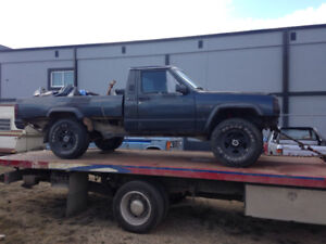 TOWING SERVICES/SCRAP VEHICLE REMOVAL 780-499-0090.