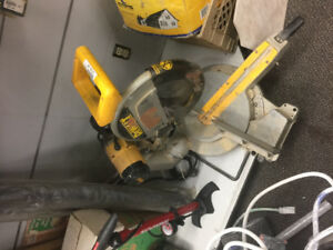 Dewalt 12 in mitre saw