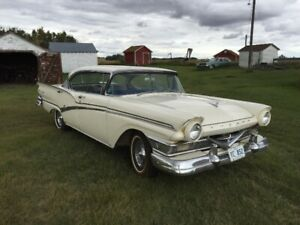 1957 Ford Meteor Rideau 500 4 Dr Htp