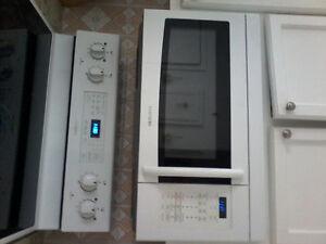 Micro-ondes à hotte intégrée