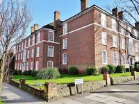 3 bedroom flat in Finchley Road, Temple Fortune, NW1