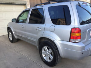 Price reduced 2007 Ford Escape  Hybrid  4WD
