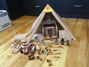 PlayMobil: pyramide Egyptienne, bonhommes et accessoires
