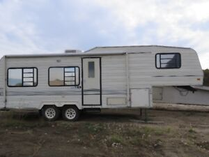 compinion fifth wheel Camper  Make an offer!!