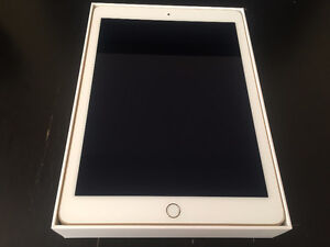 ipad AIR 2 Gold 16GB MINT condition ,no scratches!!