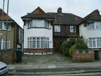5 bedroom house in Hervey Close, FINCHLEY, N32