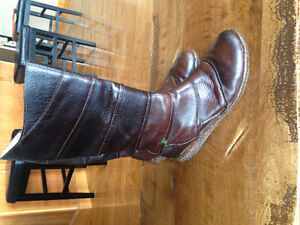 Naturalista leather boots