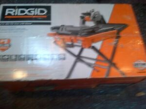 RIDGID12 Amp Corded 8 in. Wet Tile Saw with Stand Used Once
