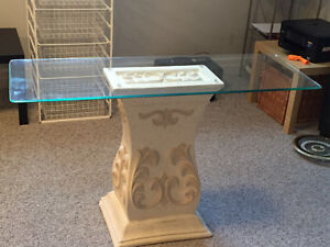 Glass hallway table with ceramic bade