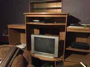 free free entertainment unit excellent condition with tvs