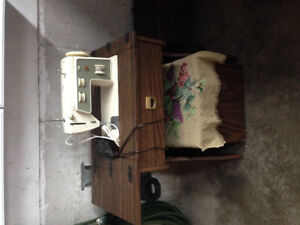 Singer sewing machine with lots of thread