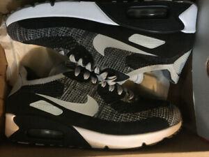 180d2f48978e Men s Nike airmax 90 Premium Flyknit Black and grey size 10