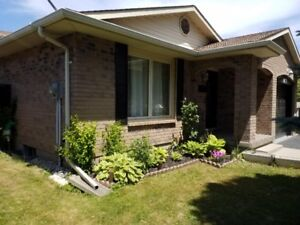 Detached house for sale in Niagara Falls.