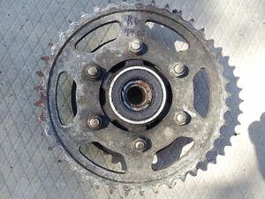 99-02 Yamaha YZF R6 Hub & Sprocket rear wheel tire 600 R 6