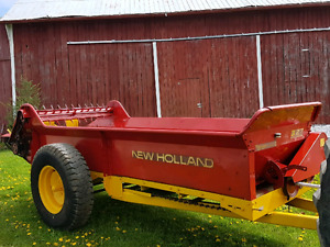 New Holland 327 Manure Spreader-150 Bushel