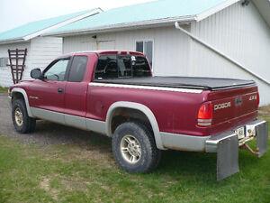 1997 Dodge Dakota Pickup Truck