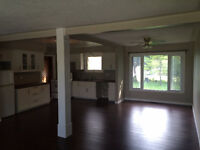 Beautiful Bungalow In Tiverton Available Immediately