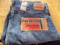 New Men's Levi Size 40, length 32 Blue jeans