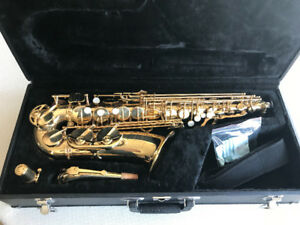 New Jupiter JAS-567 Gold Lacquered Alto Saxophone