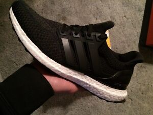 Black ultra boosts size 9.5