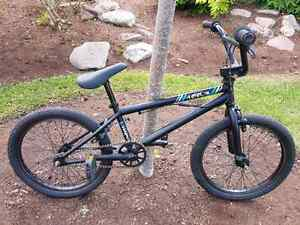 Like NEW Boys BMX Bike For Sale