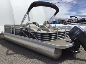 2013 Bennington 2375GCW Luxury Pontoon Boat