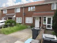 2 bedroom house in Beaulieu Close, Hounslow, TW4
