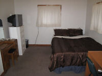 Furnished bedroom w. Queen size bed, $750/month, Sept.1 Banff