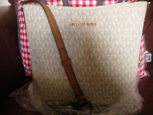 New Authentic  Michael kors  Crossbody large bag and wallet