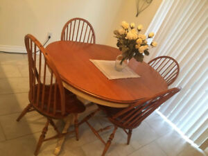 Barrie Solid Oak Kitchen Table Chairs