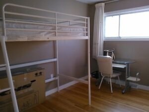 Well kept Metal bunk bed with mattress