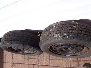 2 pneus Hiver, Clasic 185/65R14 M&S, Jante Saturn SC1 2002 Saguenay Saguenay-Lac-Saint-Jean image 4