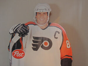 Life size Eric Lindros Post cereal, Philadelphia Flyers, cut out London Ontario image 2