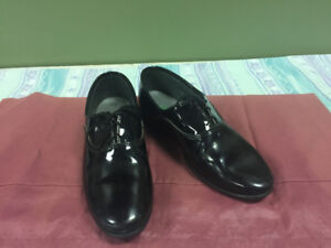 MENS CLOTHING & DRESS SHOES