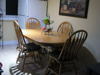 Solid Oak Double Pedestal Table & 4 Chairs
