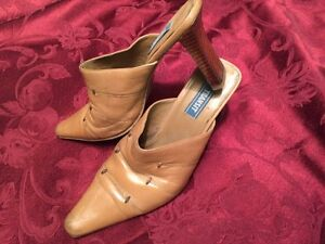 Shoes leather perfect heels, size 7-7.5