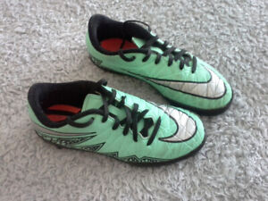 soccer indoor shoes size 2