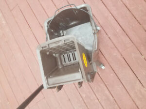COMMERCIAL CLEANING BUCKET