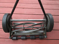 16 INCH, 5 BLADE, WALK-BEHIND REEL NON-ELECTRIC LAWN MOWER