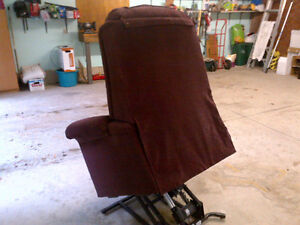 Pride Lift Chair Recliner In Great Condition