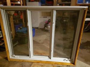 Fenêtre 3 battants PVC Blanc à manivelle