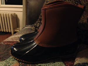 New Ladies Size 9 Waterproof Boots Never Worn