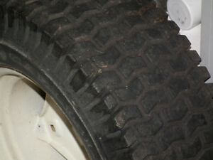 LAWN TRACTOR TIRES ON RIMS  23 X 850 X 12 Windsor Region Ontario image 3