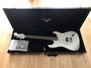 2012 Fender Custom Shop Deluxe SSH Stratocaster Blizzard Pearl