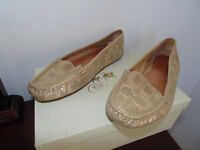 **Coach Loafers Gold**