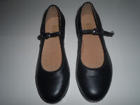 TAP SHOES * GIRLS SIZE 5-1/2*   Worn 2 times!!