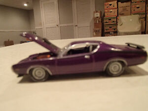 Loose Greenlight  '71 DODGE CHARGER SUPER BEE STOCK & CUSTOM Sarnia Sarnia Area image 3